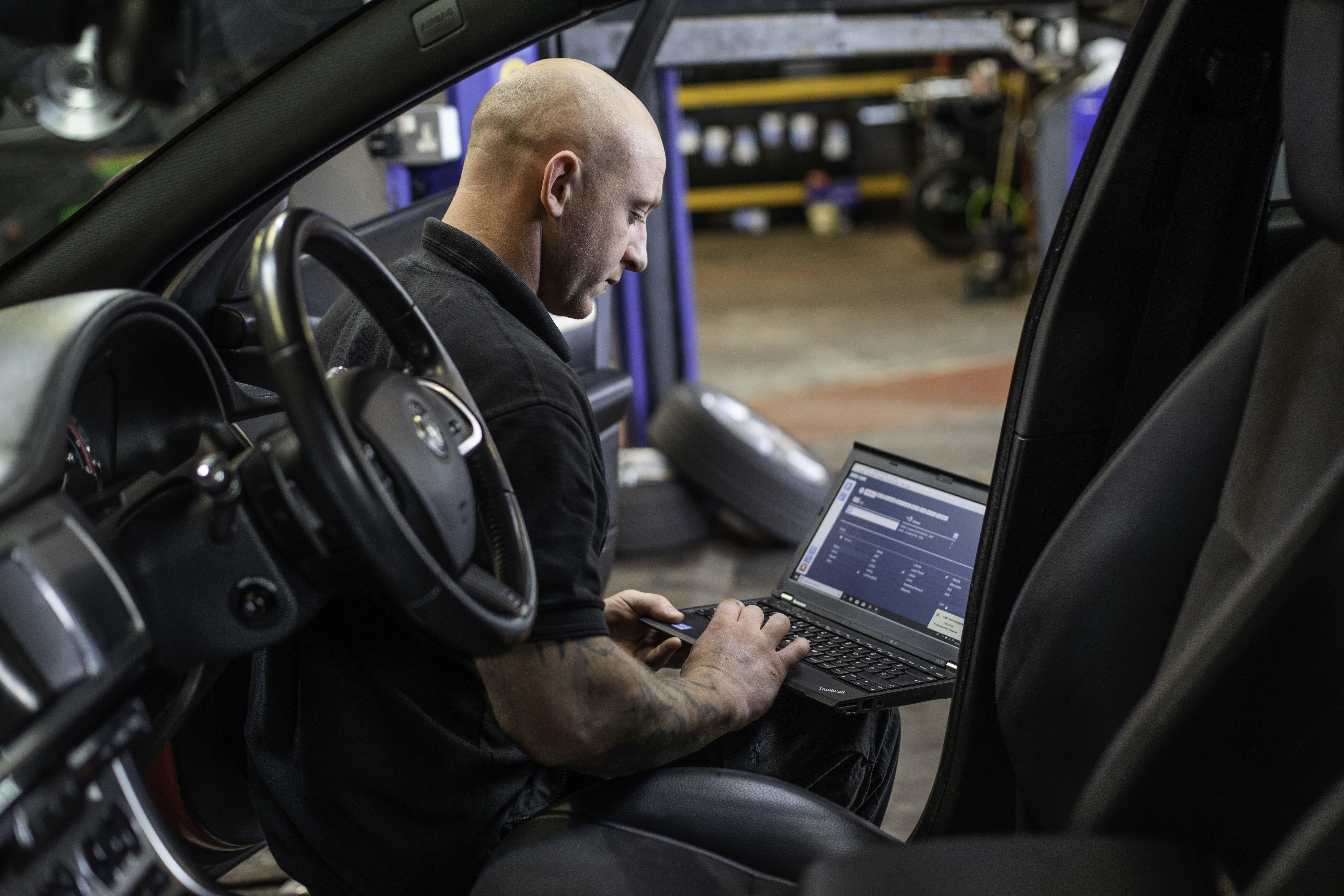 Mr Tyre Leicester >> Car Diagnostics Auto Diagnostic Checks Mr Tyre